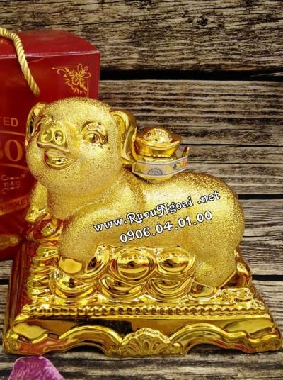 Rượu Phong Thủy Con Heo Vàng