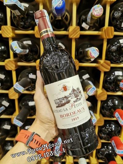 Rượu vang Chateau La Petite